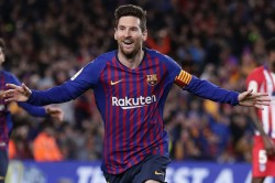 La Liga Preview League Leaders Barcelona Host Real Sociedad