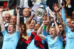 Vincent Kompany Leaving Manchester City Thanks Pep Guardiola