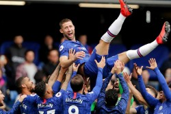 Its Not Important For Me Chelsea Boss Sarri Shrugs Off Cahill Complaints