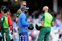 Hashim Amla Goes Off After Blow To The Head South Africa Cricket World Cup