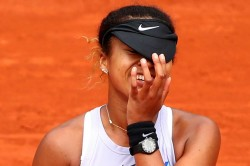 French Open Simona Halep Naomi Osaka Battle Through Serena Williams Steps Up