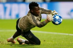 Manchester United Target Onana To Replace De Gea