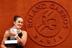 Ashleigh Barty Turning Down Andy Murray Was Toughest Decision But A Million Girls Will Jump At Wimbledon Chance Wta Atp