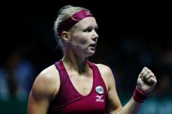 Bertens On Course For Quarter Finals Garcia Through After Being Forced Indoors