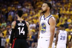 Nba Finals 2019 Raptors Take 2 1 Series Lead Despite 47 From Stephen Curry