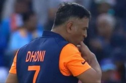 Icc World Cup 2019 Ms Dhoni Played With An Injured Thumb Against England