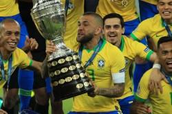 Dani Alves Sao Paulo Transfer News