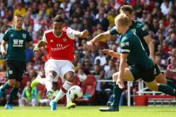 Arsenal 2 1 Burnley Aubameyang Lacazette Lead Gunners To Maximum Six Points