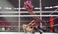 Rumour Wwe Plan To Host Second Womens Hell In A Cell Match