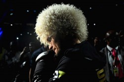 Ufc 242 Khabib Nurmagomedov Unifies Lightweight Title With Dominating Win Over Dustin Poirier