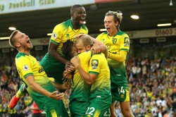 Norwich City 3 2 Manchester City Mistakes Punished As Champions Rocked At Carrow Road