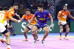 Pkl 2019 Dabang Delhi Crush Puneri Paltan S Playoff Hopes