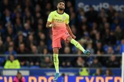 Everton 1 3 Manchester City Mahrez Stunner Saves Champions