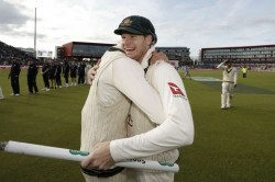 Ashes 2019 Steve Smith Retaining Urn In England One Off Bucket List