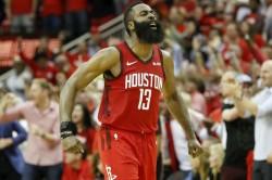 Harden Scores 59 As Rockets Win 159 158 Curry Breaks Hand In Warriors Loss