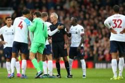 Man United Halt Liverpool S Winning Streak As Man City Close Gap Premier League Data Diary