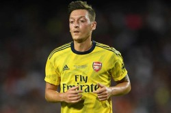 Emery Tells Ozil Fight For Arsenal Spot Missed Standard Liege Win