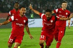 Isl Feature Northeast United Staying Together