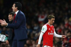 Unai Emery Snubs Mesut Ozil Questions Arsenal Europa League