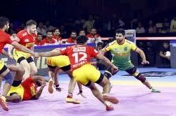 Pro Kabaddi League 2019 Pardeep Narwal Stars As Patna Pirates Beat Gujarat Fortunegiants