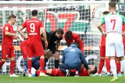 Augsburg 2 2 Bayern Munich Sule Injured As Champions Are Hit By Last Gasp Equaliser