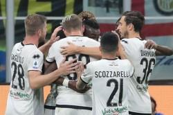 Inter 2 2 Parma Karamoh Stars On San Siro Return To Deny Conte S Men Top Spot