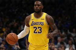 Lebron Davis Lead Lakers As Russell Stars In Another Warriors Loss