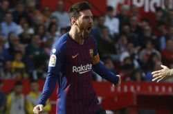 La Liga Messi Dead Ball Hat Trick Puts Barcelona Back On Top