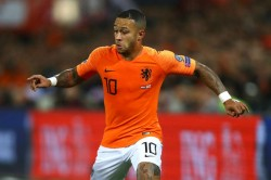 Depay Leaving Lyon Would Be Better For Netherlands Says Koeman