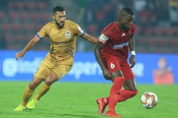 Isl 2019 20 Northeast United Fc Vs Mumbai City Fc First Half Goal Feast As Mumbai Hold Northeast