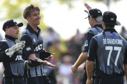 New Zealand Vs England 3rd T20i Visitors Collapse Gifts Black Caps Series Lead