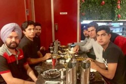 Pakistan Cricket Players Take Out Indian Cab Driver For Dinner After The Cabbie Refuses Fare
