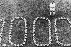 Pele Milesimo 50 Years On Why His 1000th Goal Still Matters Santos Brazil Ronaldo Messi