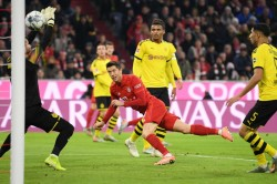 Bayern Munich 4 0 Borussia Dortmund Lewandowski Strikes Twice In Clinical Klassiker