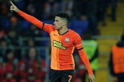 Shakhtar Donetsk Taison Sent Off Reacting Racist Abuse Dynamo Kiev Fans