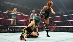 Wwe Monday Night Raw Results And Highlights November 11