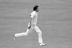 One Of Cricket Biggest Heroes Icc Mourn Bob Willis Death