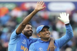 Ms Dhoni Hardik Pandya To Welcome New Year 2020 Together In Dubai See Pic