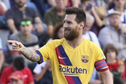 Messi S Strike Helps Barcelona Return To The Top Of La Liga