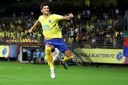 Isl 2019 20 Kerala Blasters Fc 2 2 Fc Goa Injury Time Goal Sees Goa Rescue A Point