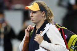 Caroline Wozniacki Face Serena Williams May Exhibition