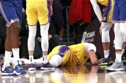 Nba Wrap Anthony Davis Hurt Lakers Carmelo Anthony Game Winner