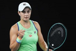 Australian Open 2020 Barty Survives Tsurenko Scare Venus Marvels At Coco