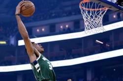 Nba Wrap Bucks Bounce Back Against Warriors Harden Posts Triple Bouble