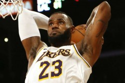 Lebron S Triple Double Fuels Lakers Win Clippers Set Record