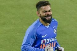 India Vs Sri Lanka 1st T20i Skipper Kohli Hit On Finger During Practice