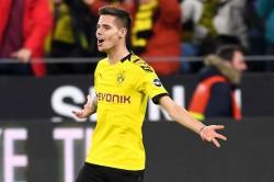 Benfica Julian Weigl Completes Move From Borussia Dortmund