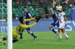 Isl Chennaiyin Put One Foot In Final With Goa Drubbing