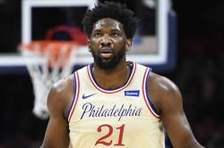 Joel Embiid Fined Obscene Gesture Nba Philadelphia 76ers Atlanta Hawks