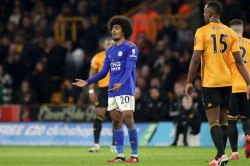 Wolves 0 0 Leicester City Var Willy Boly Header Rules Out Stalemate